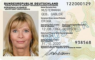 330px-Mustermann_nPA
